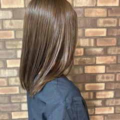 ミディアム オリーブグレージュ ナチュラル オリーブカラー ヘアスタイルや髪型の写真・画像