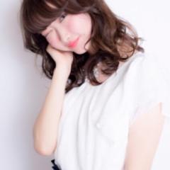 小顔 ニュアンス ロング パーマ ヘアスタイルや髪型の写真・画像