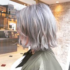 外国人風カラー ボブ ダブルカラー グレージュ ヘアスタイルや髪型の写真・画像
