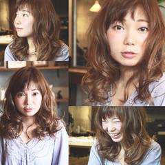 ミディアム パーマ フェミニン 大人かわいい ヘアスタイルや髪型の写真・画像