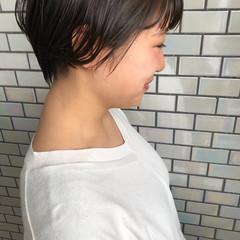 前下がりショート ハンサムショート ショートヘア 小顔ショート ヘアスタイルや髪型の写真・画像
