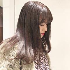 ガーリー 艶髪 セミロング ラベンダーグレー ヘアスタイルや髪型の写真・画像