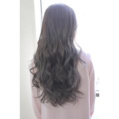 小顔 エレガント ミルクティー ニュアンス ヘアスタイルや髪型の写真・画像