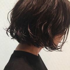 パーマ ブラウン ボブ ナチュラル ヘアスタイルや髪型の写真・画像
