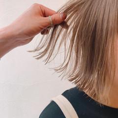 ハイトーンカラー ベージュ ハイトーン 透け感 ヘアスタイルや髪型の写真・画像