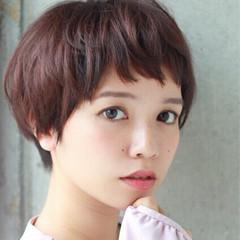 ガーリー フェミニン ショート 前髪あり ヘアスタイルや髪型の写真・画像