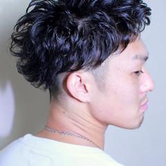 パーマ ボーイッシュ メンズ ストリート ヘアスタイルや髪型の写真・画像