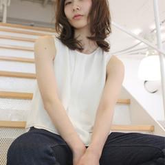 大人かわいい 暗髪 フェミニン ナチュラル ヘアスタイルや髪型の写真・画像