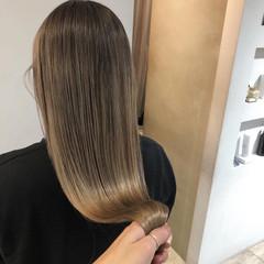ツヤツヤ ハイトーン ナチュラル ツヤ ヘアスタイルや髪型の写真・画像