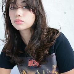 レイヤーカット 暗髪 外国人風 セミロング ヘアスタイルや髪型の写真・画像