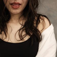 インナーカラー フェミニン ウルフカット セミロング ヘアスタイルや髪型の写真・画像