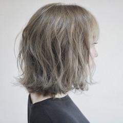 ハイトーン フェミニン ボブ 波ウェーブ ヘアスタイルや髪型の写真・画像