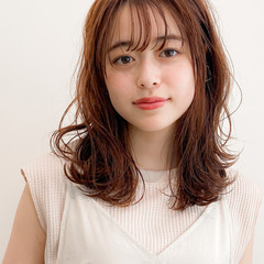 アンニュイほつれヘア ミディアム ゆるふわパーマ モテ髪 ヘアスタイルや髪型の写真・画像