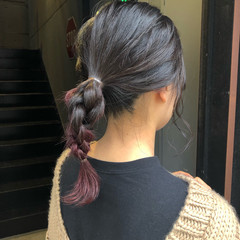 インナーピンク セルフヘアアレンジ ヘアアレンジ 簡単ヘアアレンジ ヘアスタイルや髪型の写真・画像