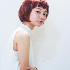 モード フェミニン ボブ くせ毛風 ヘアスタイルや髪型の写真・画像