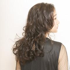 ガーリー ブルージュ 波ウェーブ くせ毛風 ヘアスタイルや髪型の写真・画像