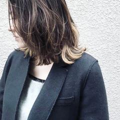 ロブ ナチュラル インナーカラー 暗髪 ヘアスタイルや髪型の写真・画像