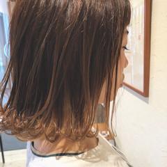 ウェーブ 外国人風 ナチュラル インナーカラー ヘアスタイルや髪型の写真・画像