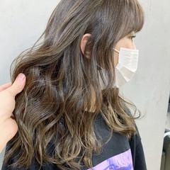 セミロング アッシュグレージュ ハイライト 大人ハイライト ヘアスタイルや髪型の写真・画像