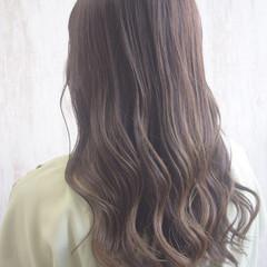 セミロング ミルクティーグレージュ ミルクティー ミルクティーベージュ ヘアスタイルや髪型の写真・画像