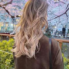 ブロンドカラー 透明感カラー ハイライト ハイトーンカラー ヘアスタイルや髪型の写真・画像