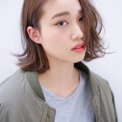 ミディアム アッシュ 外国人風 暗髪 ヘアスタイルや髪型の写真・画像