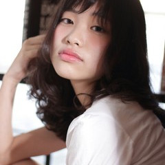 ミディアム 外国人風 ガーリー 暗髪 ヘアスタイルや髪型の写真・画像