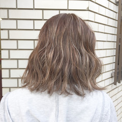 モード ハイライト 外国人風カラー 切りっぱなし ヘアスタイルや髪型の写真・画像