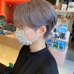 ショート ストリート ダブルカラー シルバーグレー ヘアスタイルや髪型の写真・画像