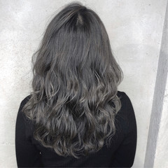 グレージュ ナチュラル アッシュ 透明感カラー ヘアスタイルや髪型の写真・画像