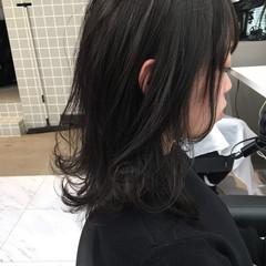 セミロング ナチュラル 暗髪女子 暗髪 ヘアスタイルや髪型の写真・画像
