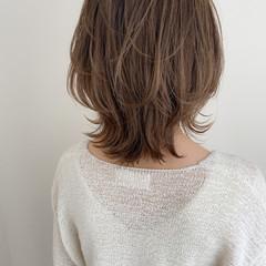ウルフカット ミディアム モテ髪 外ハネボブ ヘアスタイルや髪型の写真・画像