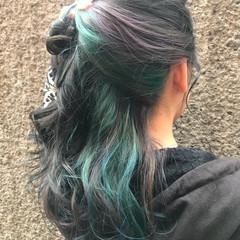 アンニュイ ウェーブ ダブルカラー ストリート ヘアスタイルや髪型の写真・画像