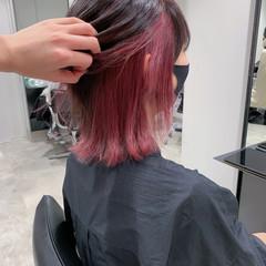 ウルフカット ストリート インナーピンク インナーカラー ヘアスタイルや髪型の写真・画像