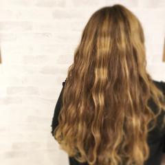 外国人風 ハイライト ロング グラデーションカラー ヘアスタイルや髪型の写真・画像