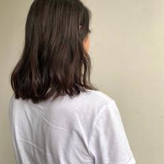 ゆるふわ ミディアム くせ毛風 ナチュラル ヘアスタイルや髪型の写真・画像