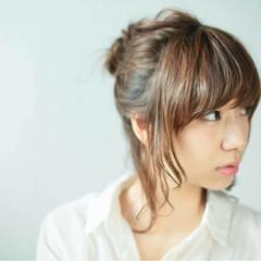 ブラウン 外国人風 簡単ヘアアレンジ ミディアム ヘアスタイルや髪型の写真・画像