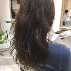 ショコラブラウン グレージュ ロング フェミニン ヘアスタイルや髪型の写真・画像