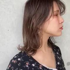 ミディアムレイヤー セミロング ナチュラル レイヤースタイル ヘアスタイルや髪型の写真・画像