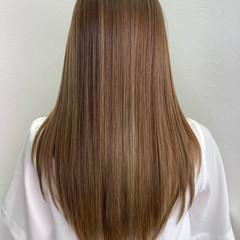 グレージュ インナーカラー ロング イルミナカラー ヘアスタイルや髪型の写真・画像