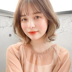 インナーカラー くびれボブ 透明感カラー ナチュラル ヘアスタイルや髪型の写真・画像