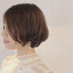 外ハネ ゆるふわ コンサバ レイヤーカット ヘアスタイルや髪型の写真・画像
