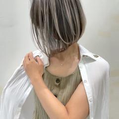 ナチュラル ショートボブ バレイヤージュ ショート ヘアスタイルや髪型の写真・画像
