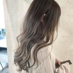 ミルクティーグレージュ ミルクティーグレー ミルクティーベージュ ロング ヘアスタイルや髪型の写真・画像