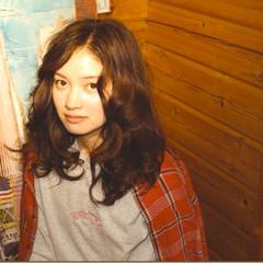 外国人風 ストリート パーマ セミロング ヘアスタイルや髪型の写真・画像
