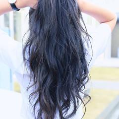 ロング ネイビー 外国人風カラー ゆるふわ ヘアスタイルや髪型の写真・画像