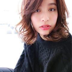 小顔 ニュアンス ゆるふわ こなれ感 ヘアスタイルや髪型の写真・画像