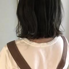 ブルーアッシュ ブルージュ ナチュラル ボブ ヘアスタイルや髪型の写真・画像