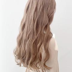 ダブルカラー ミルクティーベージュ 外国人風カラー ベージュ ヘアスタイルや髪型の写真・画像