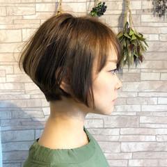 ベリーショート ハンサムショート ショートボブ ナチュラル ヘアスタイルや髪型の写真・画像
